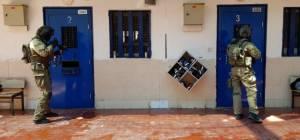 קניות המחבלים בכלא: מחטיפים עד מותגים