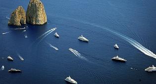 צוקים מרהיבים: טיול מצולם באי האיטלקי קאפרי