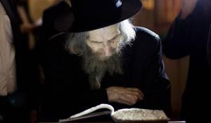 מרן הרב שטיינמן - יישאר באשפוז: מרן הרב שטיינמן עדיין חלש