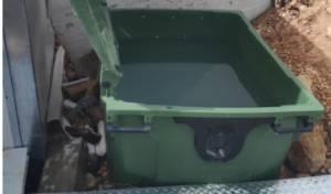 טובלים בפח אשפה ובמקווה כלים