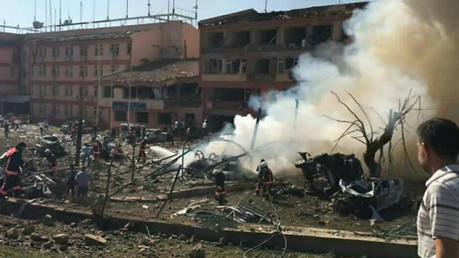 תחנת המשטרה בעיר אלזיג לאחר הפיצוץ