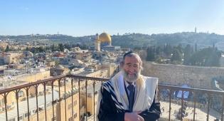 """הרב אברהם אדרת זצ""""ל"""