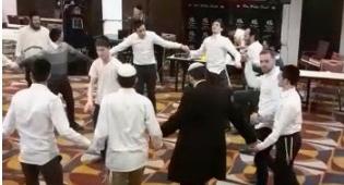 הריקודים במלונית דן פנורמה
