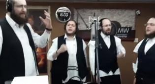 'שמחה טיש' עם מקהלת 'מלכות' באלבום חדש