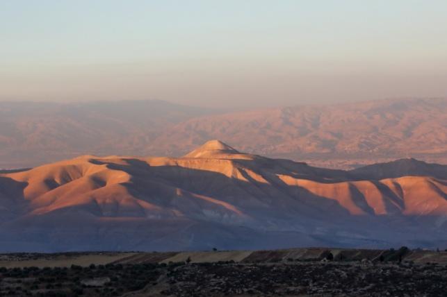 הר סרטבא בעמק הירדן