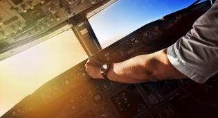 """אילוסטרציה - """"אלפי טייסים לוקים במחשבות אובדניות"""""""
