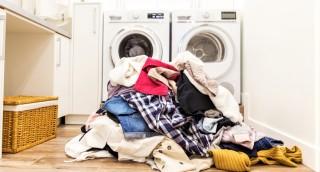 איך מתמודדים עם ערימות של כביסה? 7 פתרונות מעולים