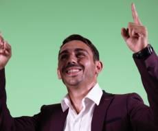 """בנימין ישראל בסינגל חדש - """"ידיים באוויר"""""""
