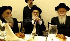 רבי מאיר סולבייצ'יק בשיחה עם אחיו ואחיינו