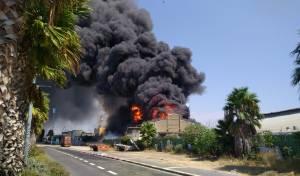 שריפה במפעל שמן תעשיות במפרץ חיפה