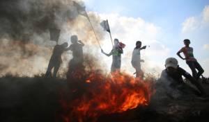הפגנות סוערות בגבול עזה