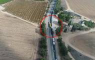 תיעוד מהרחפן: נהג משאית חוצה קו הפרדה