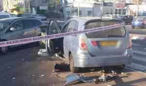 """בפ""""ת: שוטרים רדפו אחרי שב""""ח שגנב רכב"""