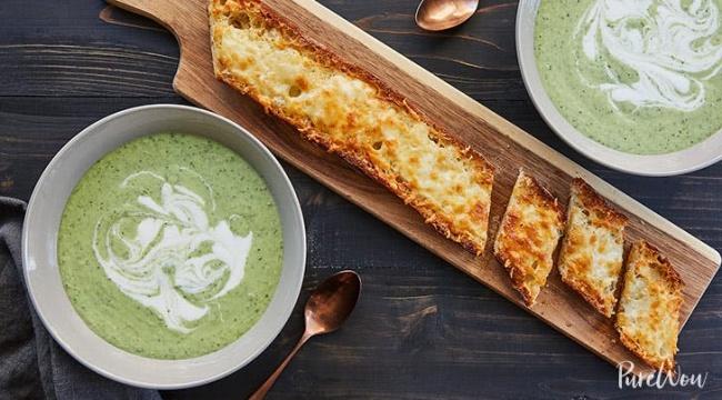 מרק מלפפון ואבוקדו - גרסת העצלנים: מרק מלפפון ואבוקדו תוך 15 דקות