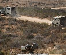 """ארכיון - הפיגוע בגבול עזה: 2 מטענים התפוצצו; חשד לירי טיל נ""""ט"""