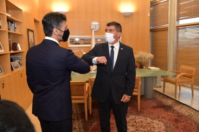 """שר החוץ לשגריר האמירתי: """"יום היסטורי"""""""