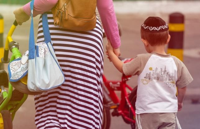 4 מיתוסים בנוגע לאימהות - והתשובות להם