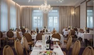 יוקרה ואוירה ביתית במלון היהודי הותיק בפראג