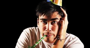 אילוסטרציה - מכירים את הציני והעוקצני שיושב במסיבה?