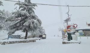 """30 ס""""מ שלג במפלס התחתון באתר החרמון"""