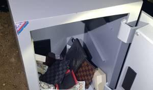 ברכב הגנבים נמצאה כספת עמוסה בכסף