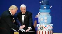 """""""אותה העוגה בדיוק"""". משמאל: העוגה של אובמה, מימין: העוגה של טראמפ - מצאו את ההבדלים: העוגה המביכה של טראמפ"""