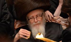 שבת בלי הרבי: בסקווירא מבקשים - תתפללו