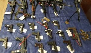 מבצע ענק: עשרות סוחרי נשק נעצרו בי-ם