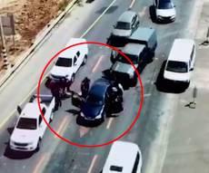 """באמצע הכביש: הלוחמים עצרו מסיע שב""""ח"""