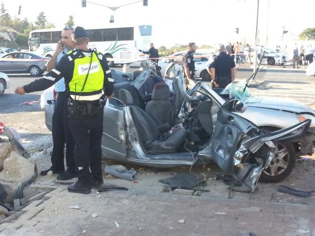 תיעוד: פצועים קשה בתאונה בירושלים