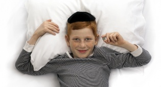 לישון עם מזגן. אילוסטרציה