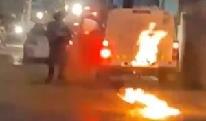 שוטר, במהומות בעיסאוויה. ארכיון