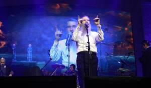 האם אברהם פריד עדיין מוביל את המוזיקה?
