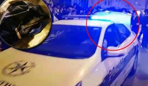 המפגינים גנבו ציוד משטרתי מהניידת • צפו