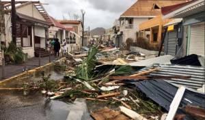 """ההרס באי סנט מרטין - משפחתו של שליח חב""""ד בסנט מרטין חולצה בשבת"""