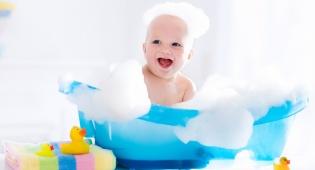 אילוסטרציה - פעוט כבן שנה טבע באמבטיה בביתו וניצל