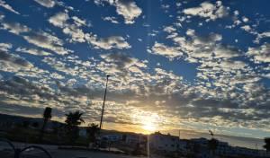תיעוד מרהיב: זריחת השמש בחוף הכרמל