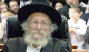 התרגשות בקהילה: הרב אדלשטיין יצא לשמחת בית השואבה