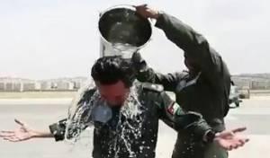 טיסה ראשונה: דלי מים על יורש העצר הירדני
