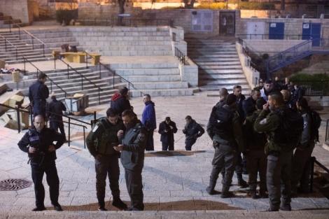 זירת הפיגוע - הנער שנפצע בפיגוע בשער שכם שוחרר לביתו