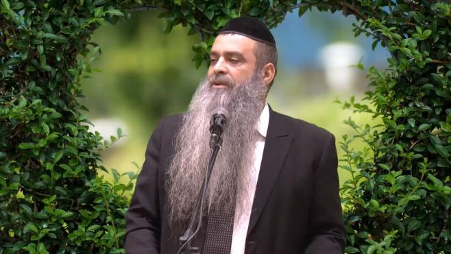 הרב רפאל זר בשיחה ליום הכיפורים • צפו
