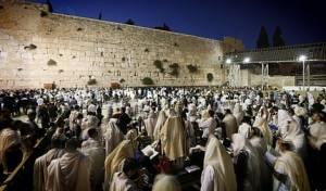 """דרעי מתייחס לחוק החדש, בראיון ל""""כיכר השבת"""" - 'חוק הכותל' החדש הונח על שולחן הכנסת"""
