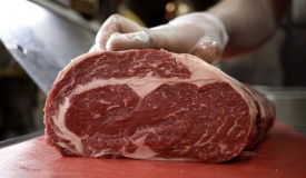 המחסור בבשר 'חלק': יפסיקו לשחוט בפולין?