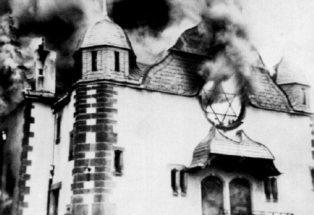בית כנסת עולה באש בליל הבדולח