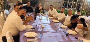גוי צילם: חרדים אוכלים סעודת שבת בדובאי