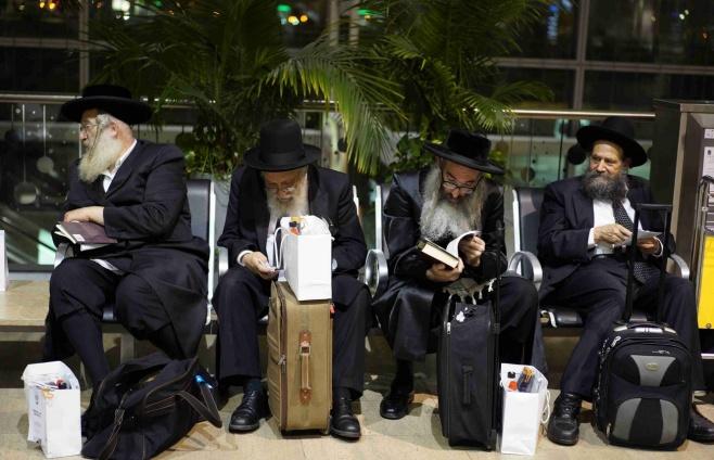 גלריה: תפילת הרבנים בציונו של החפץ חיים
