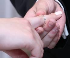חתונה. אילוסטרציה - התחתן והתגרש בזהות בדויה של... רווק