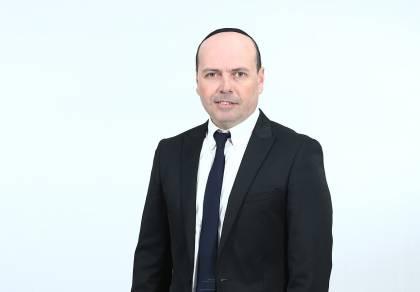 """ישראל אדרי מחדש בסינגל: """"שומר עלינו"""""""