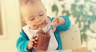 מסתבר שלא חייבים לגדול על חטיפים וממתקים. אילוסטרציה - מה נאכל היום בגן? שוקולד, ושוקולד ושוקולד?!