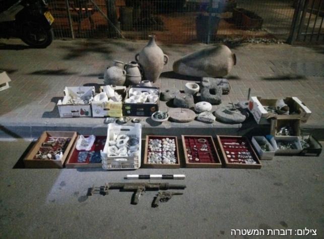 מאות מטבעות עתיקות נתפסו בכפר חווארה